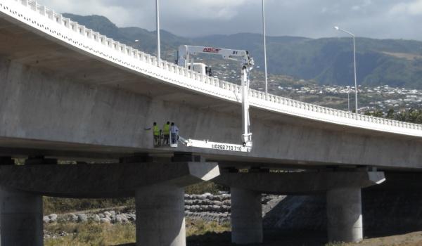 INS - Pont de la rivière des pluies